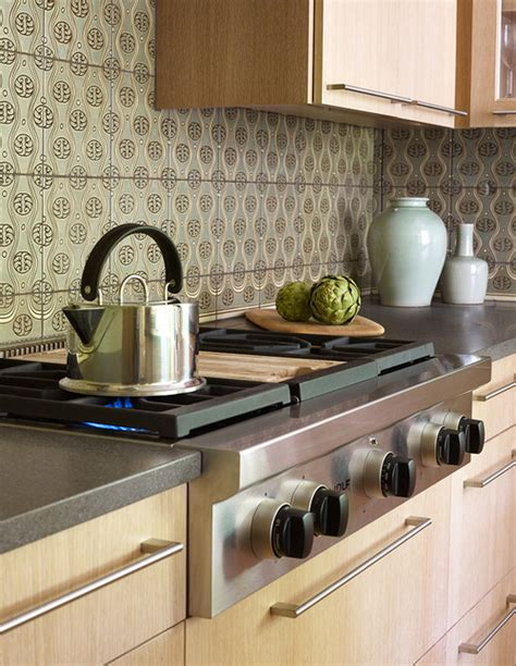 sacks kitchen backsplash classic basaltina grey countertops crocodile rocks