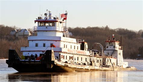 mississippi river boat jobs towboat salvage