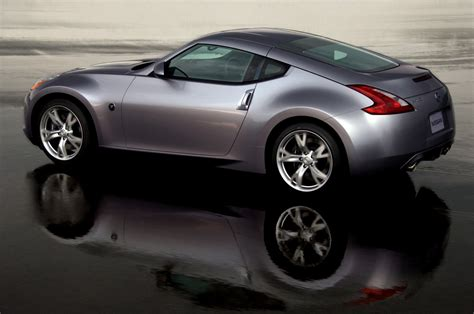 nissan sports car 370z first official photos of new 2009 nissan 370z it s your