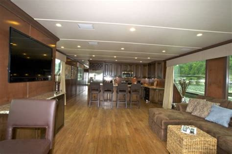 houseboat purchase how to buy a houseboat houseboat magazine
