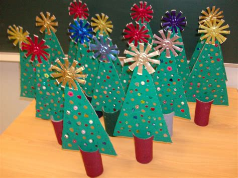 christmas tree cardboard pattern reuse crafts christmas tree cardboard craft