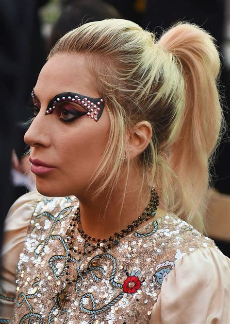 lade in serie 17 best ideas about gaga on gaga