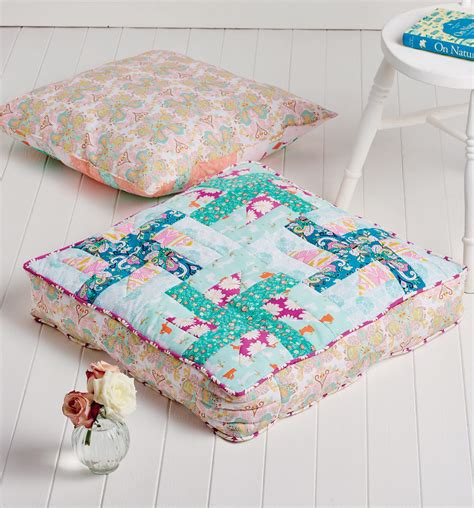 pinwheel floor cushions  sewing patterns sew magazine