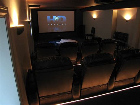 3 reasons to turn your basement into a home theater