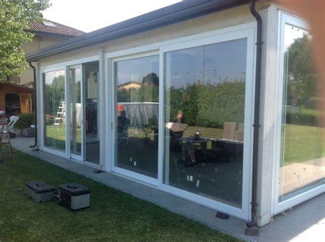 chiusure per verande in pvc foto chiusura veranda con serramenti in pvc scorrevoli di