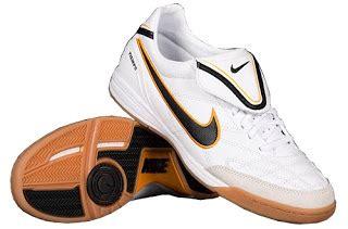 Sepatu Futsal Pria Bahan Carlite Kuat 100 Original han s shoes mode tahun baru 2011