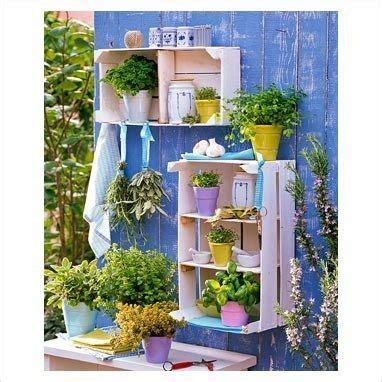 decorare il legno idee decorare il giardino con le cassette di legno 20 idee