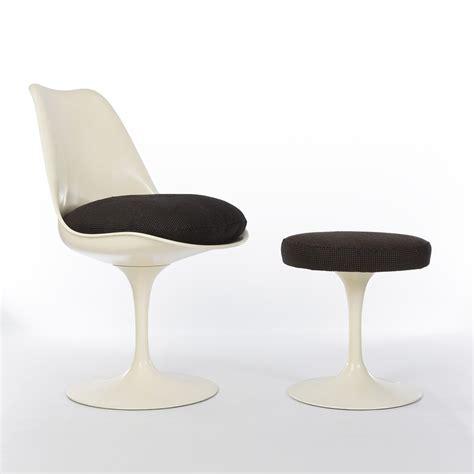 Knoll Tulip Chair by Original Eero Saarinen Knoll Tulip Chair Tulip Stool