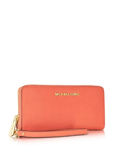 Cammie Hill Patent Leather Cinch Clutch by Lyst Michael Kors Jet Set Travel Saffiano Leather