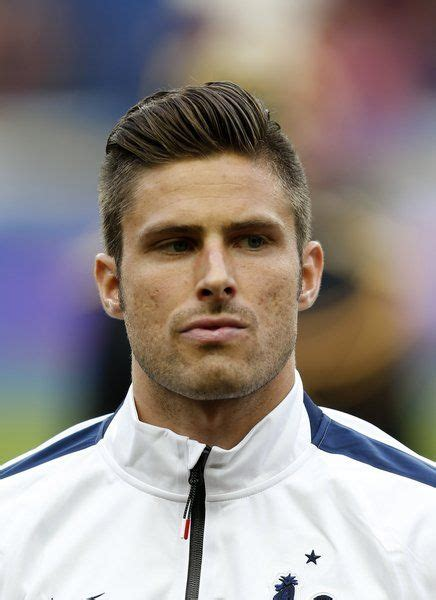 soccer hairstyles for image gallery soccer haircuts