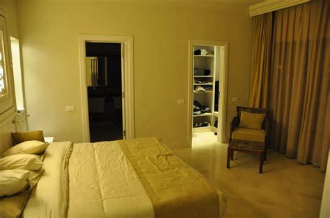 schlafzimmer mit bad quot schlafzimmer grand suite mit bad und ankleide quot hotel