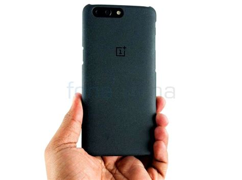 Hp One Plus One Sandstone oneplus 5 sandstone karbon and rosewood cases