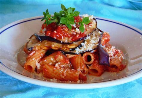 cucina pasta alla norma cucina siciliana viaggio tra le delizie that s all trends