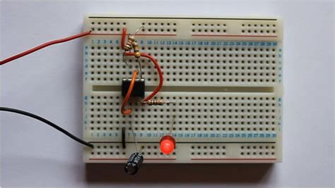 How To Build A Led L by L E D Using 555 Timer
