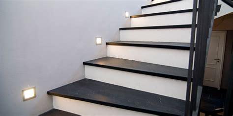 brüstungsgeländer treppenstufen holz oder fliesen bvrao