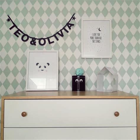 decorar paredes letras a decorar las paredes del dormitorio infantil deco