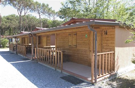 cottage in legno prefabbricati bungalow legno 4 1 no clima 171 cing versilia ceggi