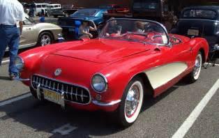 1957 chevrolet corvette w white coves