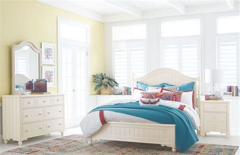 ivory bedroom set summerset ivory low poster bedroom set from legacy kids