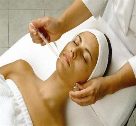Perawatan Wajah Di ni kadek badaci dewi merawat wajah secara tradisional