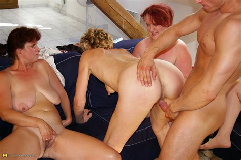Two Blondes And Two Redheads Get Their Horny Mature Cunts Fucked In Great orgy