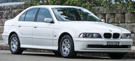 automotive repair manual 2003 bmw 525 spare parts catalogs file 2000 2003 bmw 525i e39 executive sedan 2010 10 02 01 jpg wikimedia commons