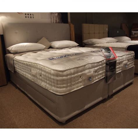 Clearance King Size Mattress by 10000 King Size Zip Link Divan Bed Clearance