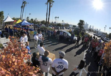 Thanksgiving Turkey Giveaway Los Angeles - tommy lasorda dodgers photog blog