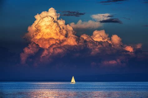 wallpaper yacht sailboat sea horizon clouds sky