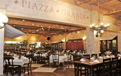 Patio Restaurant Coupons Cn Tower Restaurants 9 Amazing Dining Options Near The