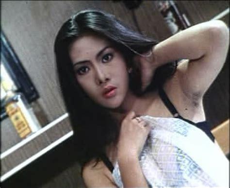 daftar film hot indonesia lawas 10 artis bom seks indonesia jaman dulu menembus cahaya
