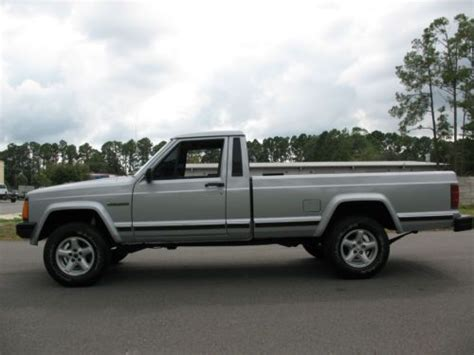 comanche jeep 4 door purchase used 1990 jeep comanche pioneer standard cab