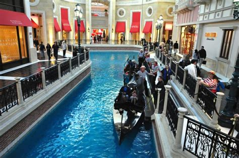 boat ride venetian this is where your load up for the famous boat ride at