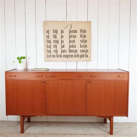 zweedse vintage stoelen zweeds vintage dressoir pip en linus webshop zweedse