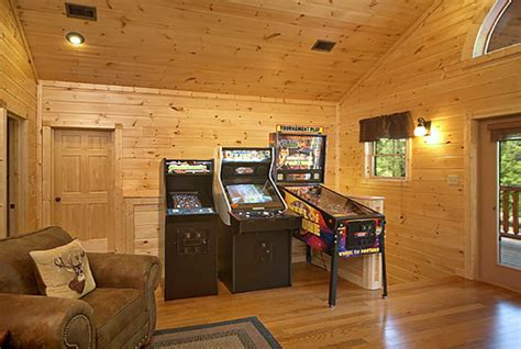 7 bedroom cabins in gatlinburg gatlinburg cabin big sky lodge 7 bedroom sleeps 28