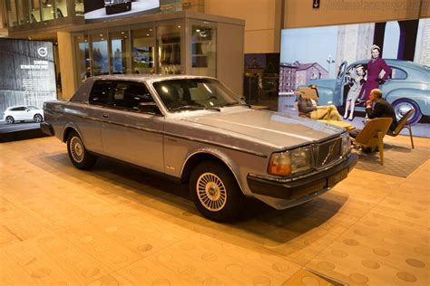 volvo  bertone coupe images specifications  information