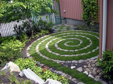 Backyard Labyrinth by Small Labyrinth Garden Labyrinths Mazes And Mandalas