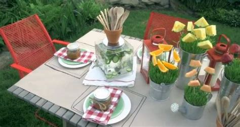 Backyard Bbq Tablescapes Simple And Festive Chagne Cocktail Recipe Beautiful