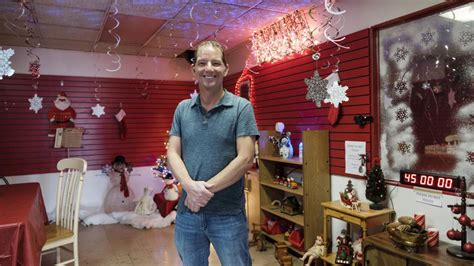 christmas themed escape room offers unconventional