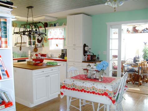 Vintage Decorating Ideas For Kitchens Great White Themes Vintage Kitchen With White Cabinets Set Also White Breakfast Table Set In