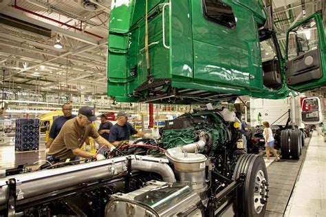volvo truck manufacturing plants volvo trucks named u s manufacturer to achieve dual