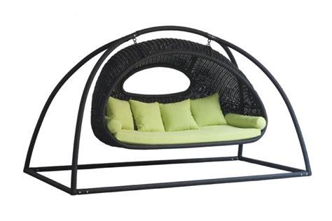 balancelle jardin carrefour balancelle de jardin en r 233 sine tress 233 e salon canape fauteuil pot mobilier meubles de