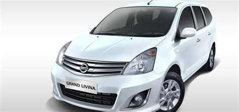 Emblem Livina Untuk Varian Mobil Nissan Grand Livina kelebihan dan kekurangan nissan grand livina lengkap