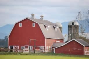What Is A Barn Written In Lynden Barn White Barn Foggy Barn