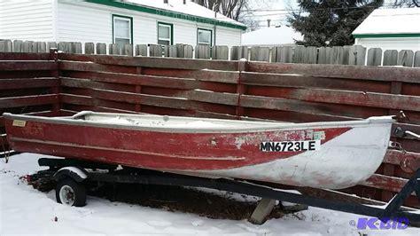 lowe line boat 1974 lowe line boat 14 foot aluminum hull i fmgs