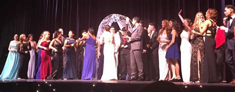 Junior Seniors Show At The by 2016 Junior Senior Prom Fashion Show Stuns Audience The