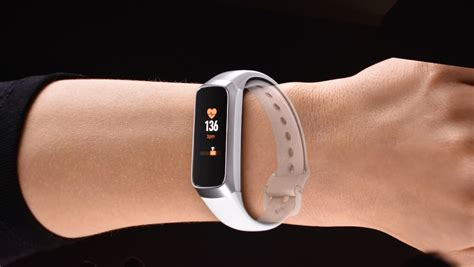 samsung galaxy fit samsung galaxy fit lands to take on the fitbit charge 3
