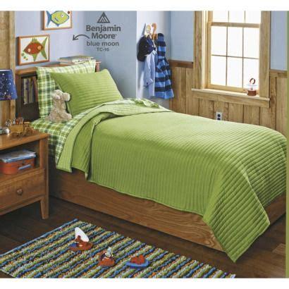 master bedroom quilts circo 174 basic quilt set green boys bedroom pinterest