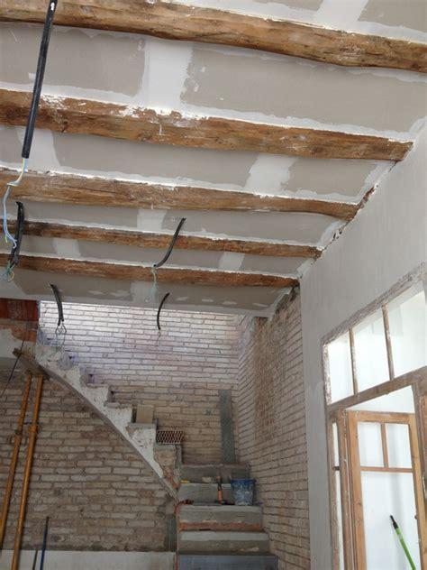techos decorativos de madera rehabilitaci 243 n de casa hist 243 rica en rub 237 ideas reformas