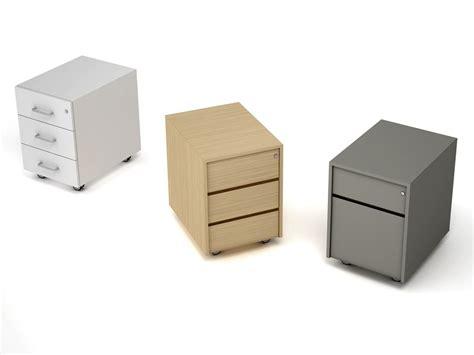 piccole cassettiere in legno cassettiera ufficio in legno con ruote cassettiera ufficio